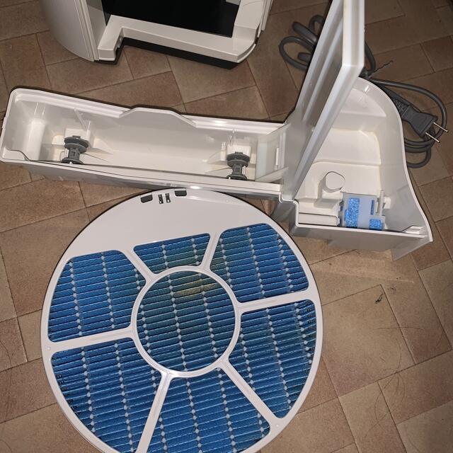 SHARP(シャープ)の専用品となります。SHARP 加湿空気清浄機 KC50TH3-W 2018年製 スマホ/家電/カメラの生活家電(空気清浄器)の商品写真