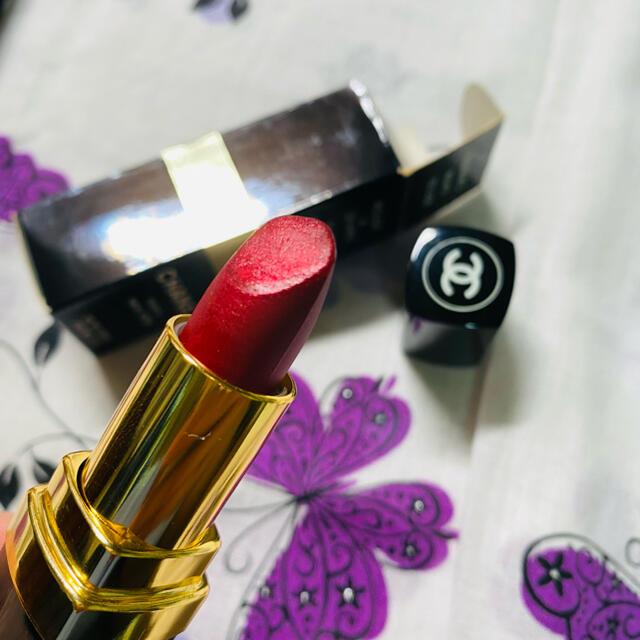 CHANEL(シャネル)のCHANEL ルージュアレーヴルスーパーハイドラベース RED N°5  コスメ/美容のベースメイク/化粧品(口紅)の商品写真