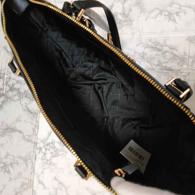 Michael Kors(マイケルコース)の人気‼ マイケルコース ジップ レザー トートバッグ ブラック 黒 レディースのバッグ(トートバッグ)の商品写真