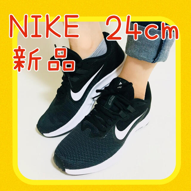 NIKE(ナイキ)の【新品未使用】ナイキスニーカー 24cm レディース スニーカー 黒色 レディースの靴/シューズ(スニーカー)の商品写真