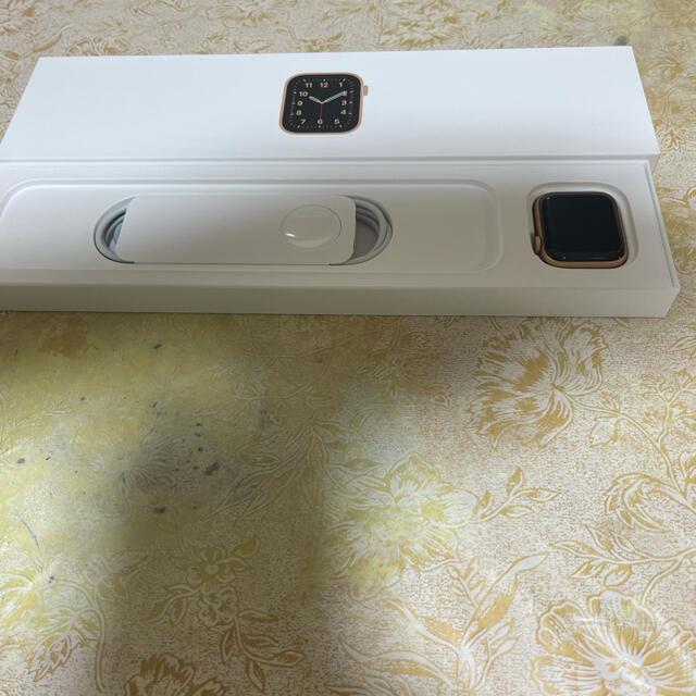 Apple Watch(アップルウォッチ)のApple Watch SE ピンク 40 mm GPS モデル レディースのファッション小物(腕時計)の商品写真