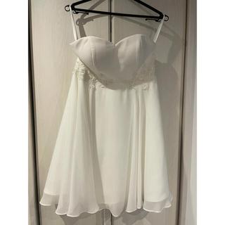 ウエディングドレス ミニ 結婚式 ドレス 二次会 花嫁 刺繍とパール(ウェディングドレス)