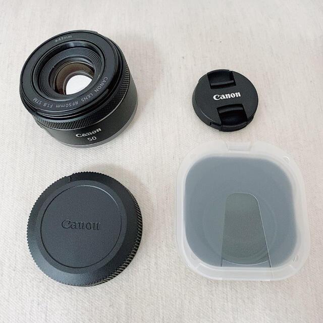 Canon(キヤノン)のCanon RF50mm F1.8 STM 新品 未使用 フィルター付き スマホ/家電/カメラのカメラ(レンズ(単焦点))の商品写真