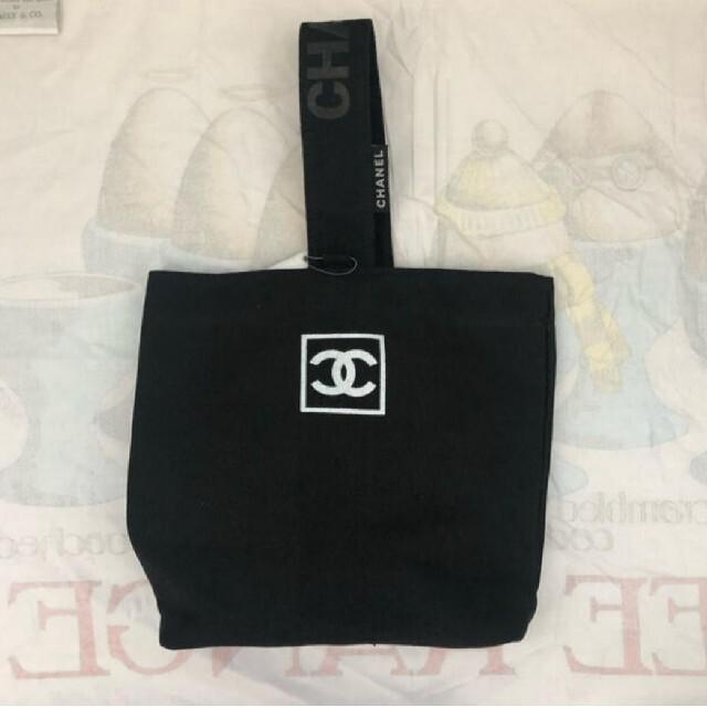 CHANEL(シャネル)のChanel small Tote bag キュート トートバッグ レディースのバッグ(トートバッグ)の商品写真