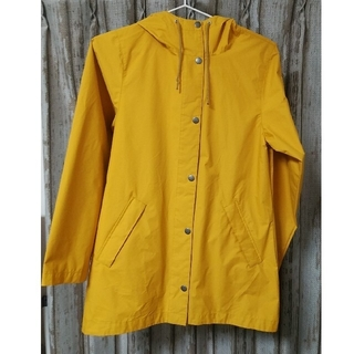 コロンビア(Columbia)のコロンビアレディースジャケットゴールドMサイズ新品未使用(登山用品)