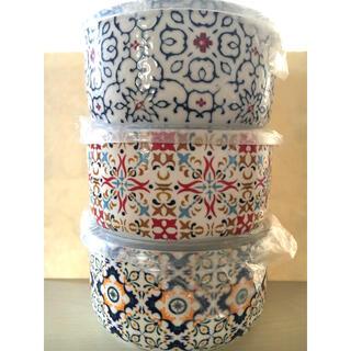 コストコ(コストコ)のコストコ signature  蓋付き 陶器 ボウル 3個セット(食器)