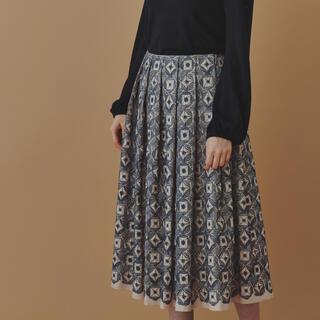 ミナペルホネン(mina perhonen)の美品 ミナペルホネン  flower circle スカート 36(ロングスカート)