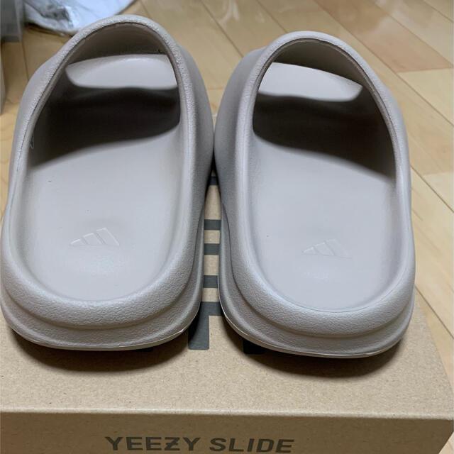 adidas(アディダス)のadidas YEEZY SLIDE pure メンズの靴/シューズ(サンダル)の商品写真
