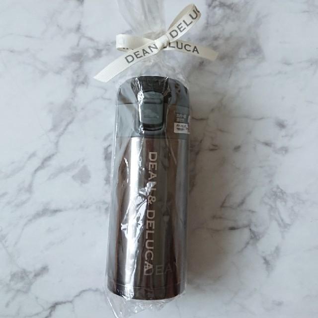 DEAN & DELUCA(ディーンアンドデルーカ)のDEAN&DELUCA ワンタッチ栓マグボトル 200ml ガンメタル 水筒 インテリア/住まい/日用品のキッチン/食器(タンブラー)の商品写真