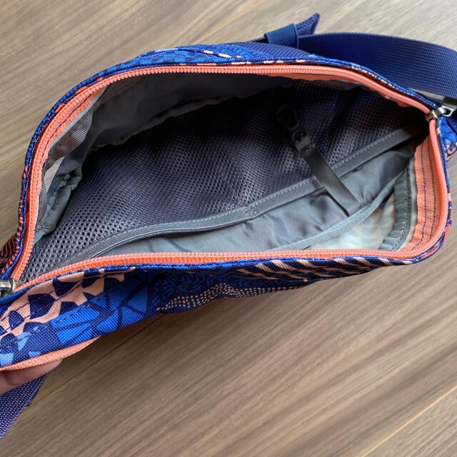 THE NORTH FACE(ザノースフェイス)のノースフェイス ウエストポーチ ボディバッグ 幾何学柄 レディースのバッグ(ボディバッグ/ウエストポーチ)の商品写真