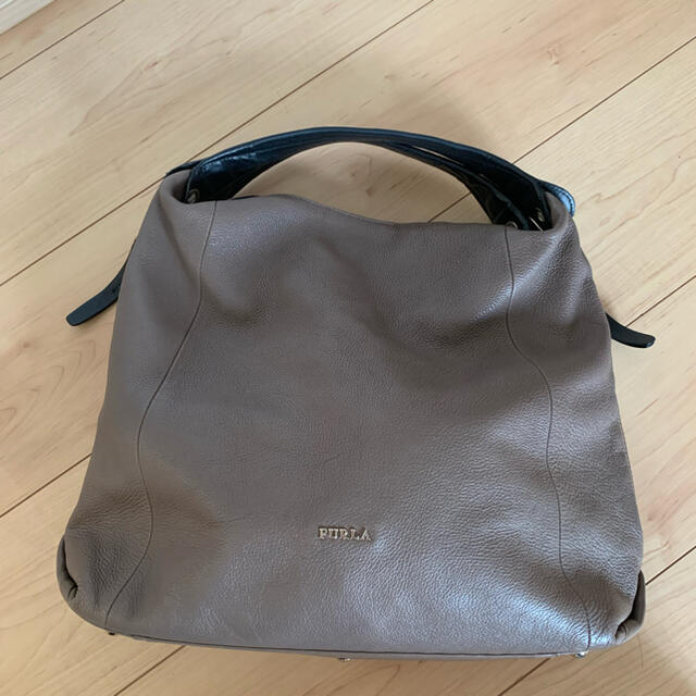 フルラショルダー バッグ レディースのバッグ(ショルダーバッグ)の商品写真