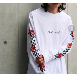 スピンズ(SPINNS)のSPINNS チェッカーフラッグ 薔薇柄プリントロンT(Tシャツ/カットソー(七分/長袖))