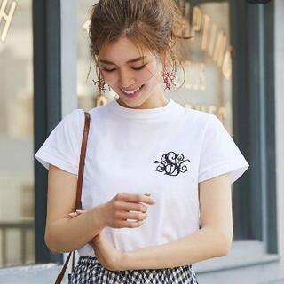 Drawer - SEVEN TEN ロゴ刺繍Tシャツ 白 半袖 カットソー セブンテンバイ