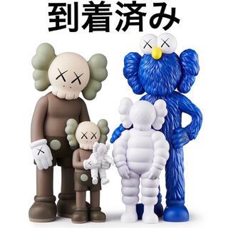 MEDICOM TOY - #1 KAWS FAMILY BROWN BLUE WHITE フィギュア