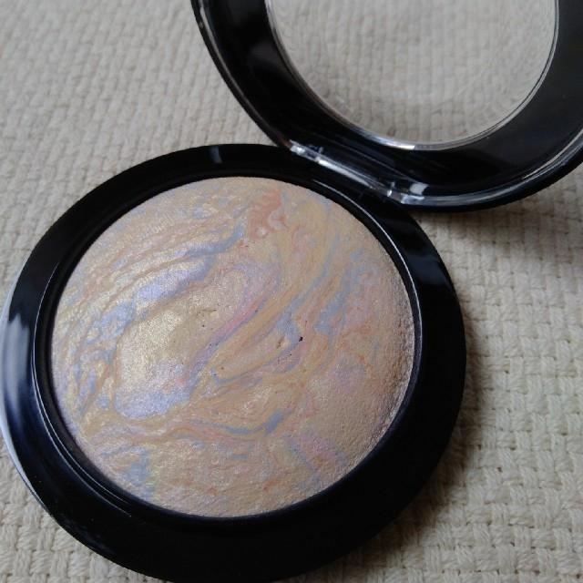 MAC(マック)のM・A・C  ミネラライズスキンフィニッシュライトスカペード コスメ/美容のベースメイク/化粧品(フェイスパウダー)の商品写真