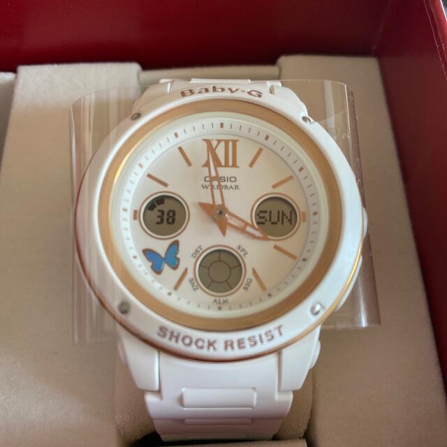 Baby-G(ベビージー)のBaby-G Xmas限定品 ホワイト ゴールド レディースのファッション小物(腕時計)の商品写真