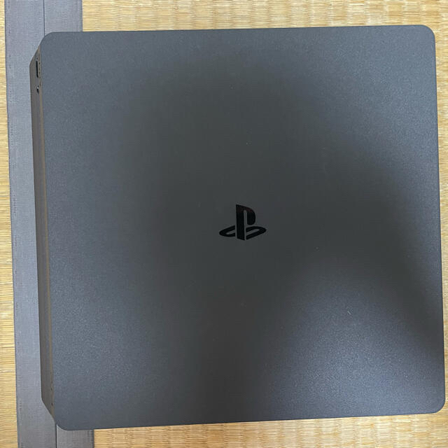 PlayStation4(プレイステーション4)のSONY PlayStation4 本体 CUH-2000AB01 エンタメ/ホビーのゲームソフト/ゲーム機本体(家庭用ゲーム機本体)の商品写真