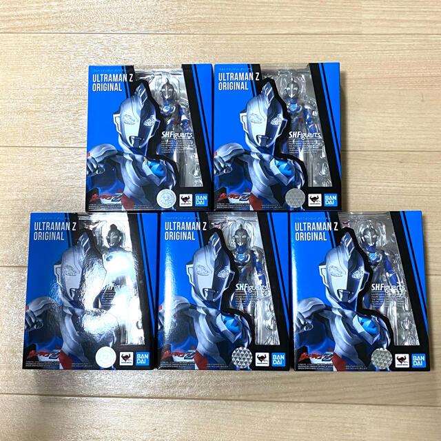 BANDAI(バンダイ)の【未開封新品】S.H.Figuarts ウルトラマンゼット オリジナル x5 エンタメ/ホビーのフィギュア(特撮)の商品写真