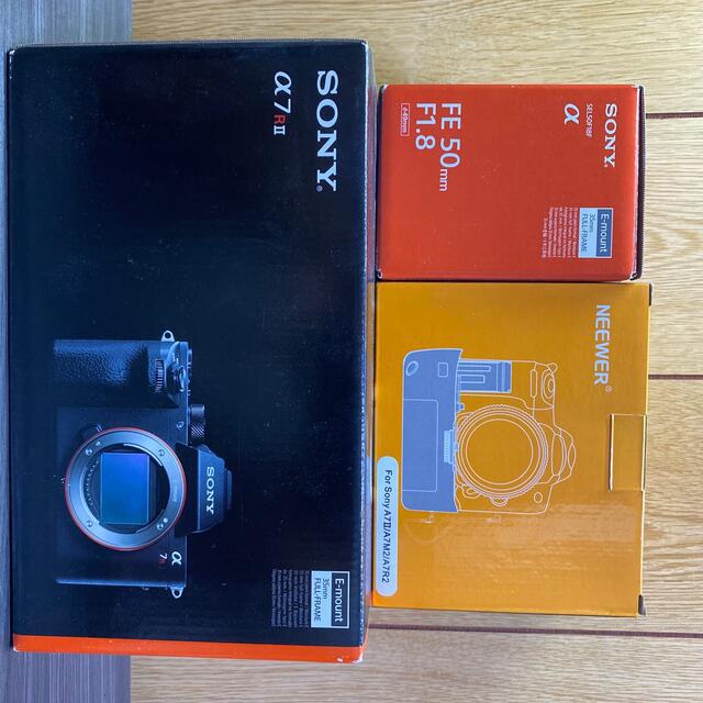 SONY(ソニー)のSONY α7R2 50mm単焦点&縦グリップ付き スマホ/家電/カメラのカメラ(ミラーレス一眼)の商品写真