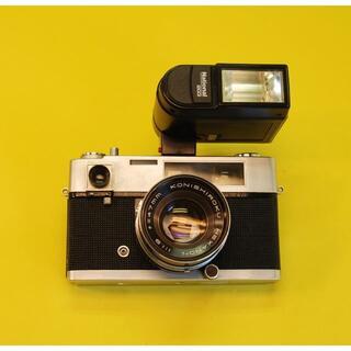 フイルムカメラ KONICA AUTOS と ストロボ
