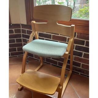 子供の姿勢を守る椅子 アップライトチェア 豊橋木工