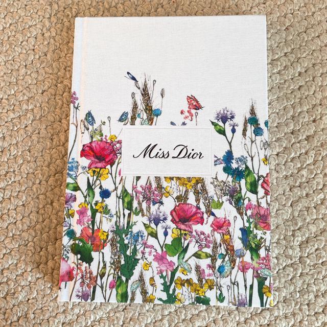 Dior(ディオール)のDIOR ポーチ、ノート 新品未使用 レディースのファッション小物(ポーチ)の商品写真
