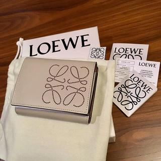 LOEWE - 新品正規品 LOEWE ロエベ アナグラム レザー ウォレット 三つ折り財布