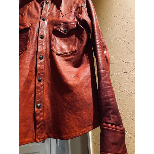 ISAMUKATAYAMA BACKLASH(イサムカタヤマバックラッシュ)のバックラッシュ ザライン the line イタリアンカーフ レザー シャツ メンズのトップス(シャツ)の商品写真