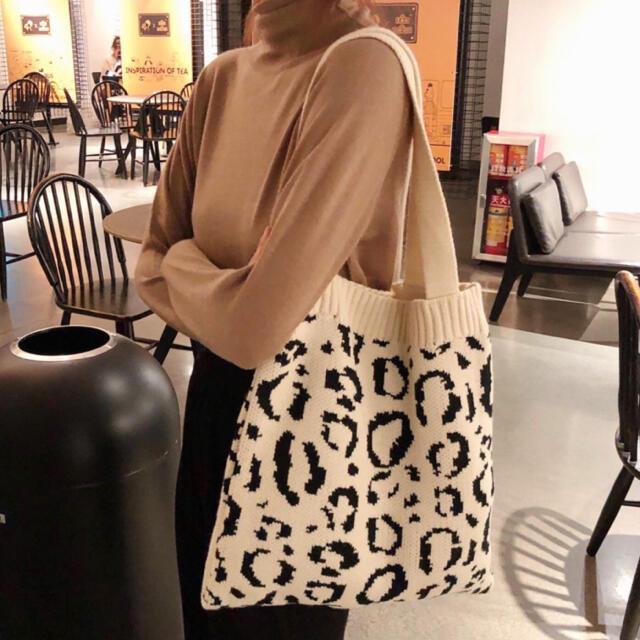 ヒョウ柄 トートバッグ ニットバッグ A4レオパード柄 編込みバッグ レディースのバッグ(トートバッグ)の商品写真