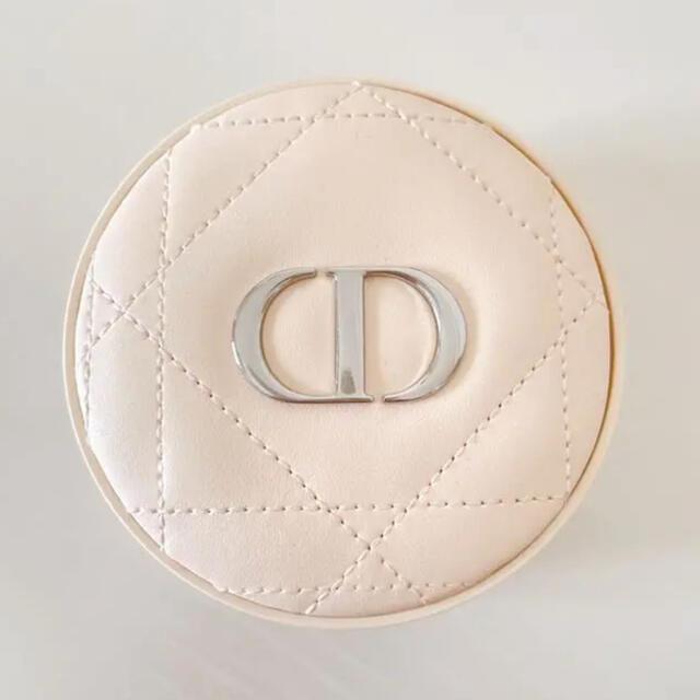 Dior(ディオール)のDior ディオールスキン フォーエヴァー クッションパウダー ファンデーション コスメ/美容のベースメイク/化粧品(フェイスパウダー)の商品写真