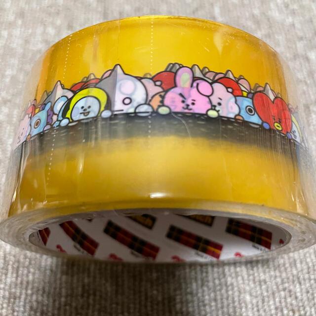 防弾少年団(BTS)(ボウダンショウネンダン)のBT21 梱包用テープ 新品 エンタメ/ホビーのおもちゃ/ぬいぐるみ(キャラクターグッズ)の商品写真