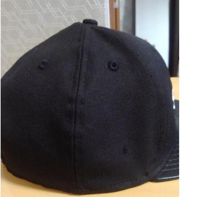 Supreme(シュプリーム)のSupreme NEW ERA BOX LOGO CAP  7 1/2 黒 メンズの帽子(キャップ)の商品写真