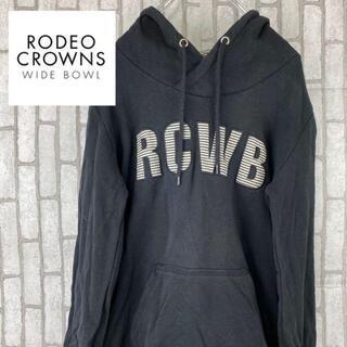 ロデオクラウンズワイドボウル(RODEO CROWNS WIDE BOWL)の【 RODEO CROWNS 】プルオーバー パーカー デカロゴ RCWB(パーカー)