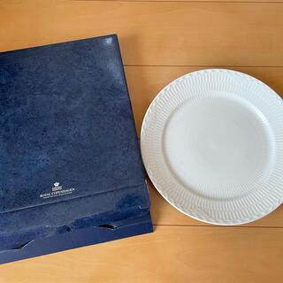 ROYAL COPENHAGEN - 【新品未使用】ホワイトフルーテッド ハーフレース プレート 大皿 627