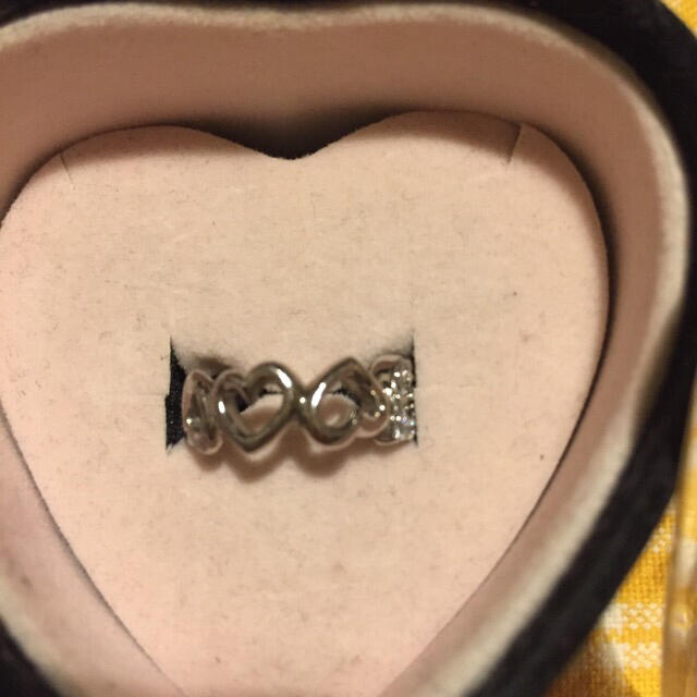 サイズ不明 pepe ハート連 ピンキーリング ハート ケース付き レディースのアクセサリー(リング(指輪))の商品写真