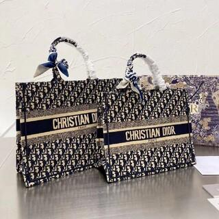 ディオール(Dior)の3色超可愛いディオールDiorトートバッグ(小物入れ)