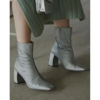 アメリヴィンテージ(Ameri VINTAGE)の【新品未使用】Ameri SQUARE GLITTER BOOTS(ブーツ)