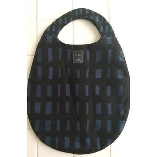 ミナペルホネン(mina perhonen)のミナペルホネン  エッグバッグ【折りたたんで発送です】(ハンドバッグ)
