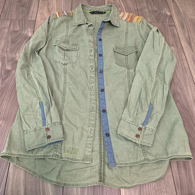 ZARA(ザラ)のZARA ミリタリーシャツ レディースのジャケット/アウター(ミリタリージャケット)の商品写真