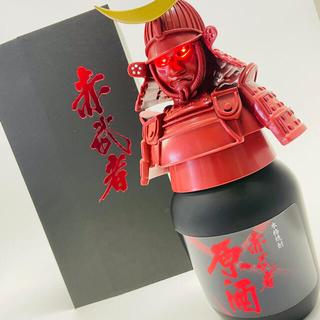 芋焼酎 「赤武者」 甲冑ボトル (焼酎)