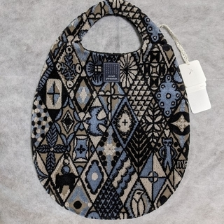ミナペルホネン(mina perhonen)のミナペルホネン シンフォニー エッグバッグ ブラック(ハンドバッグ)