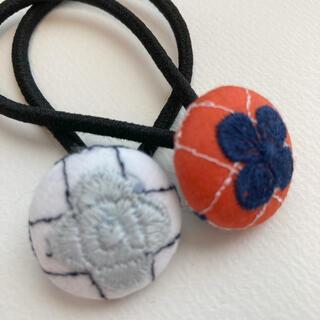 ミナペルホネン(mina perhonen)のミナペルホネン ヘアゴム handmade くるみボタンセット小さめ(ヘアアクセサリー)