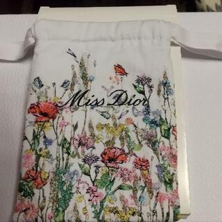 Christian Dior - ディオール花柄限定巾着ポーチ