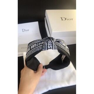 Dior - 新品 DIOR カチューシャ