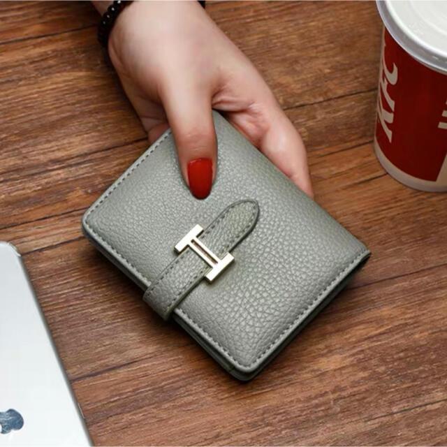 ミニウォレット Hモチーフ レディース 二つ折り財布 レディースのファッション小物(財布)の商品写真