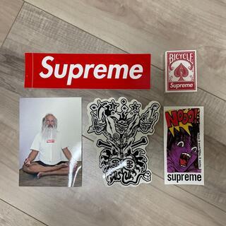 Supreme - supreme シュプリーム ステッカー&トランプ 新品未使用