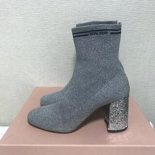 ミュウミュウ(miumiu)のmiu miu ソックスブーツ シルバー 38(ブーツ)