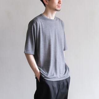 コモリ(COMOLI)のBATONER WASHABLE WOOL T Shirt バトナー(Tシャツ/カットソー(半袖/袖なし))