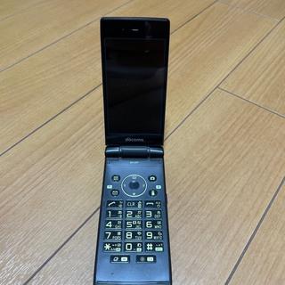 エヌティティドコモ(NTTdocomo)のSH-07F Green 充電器付(携帯電話本体)