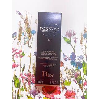 Christian Dior - ディオールスキンフォーエヴァー リキッドファンデーション
